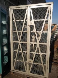 Cabinets / Safes  No. 1