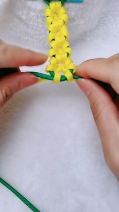 diy crafts for kids videos Rope Crafts, Diy Crafts Jewelry, Diy Crafts For Gifts, Bracelet Crafts, Diy Arts And Crafts, Creative Crafts, Yarn Crafts, Sewing Crafts, Daisy Bracelet