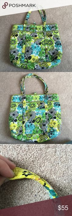 Vera Bradley tote Has been used lightly used, small mark on strap is pictured above Vera Bradley Bags Totes
