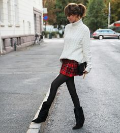 Isabel marant boots, blogger style, tartan skirt, chunky cardigan, fall outfit