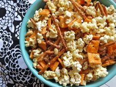 Everything but the Kitchen Sink Caramel Corn
