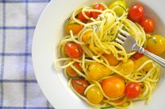 perfect summertime dinner: spaghetti with sweet 100 tomatoes