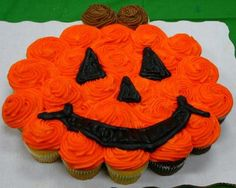 #Halloween pumpkin cupcake cake #pumpkin_decor_cupcake