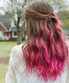 Trands Hairstyle Expressively beautiful deep pink ombre hair color and hairstyles for 2020 Cute Haircuts, Girl Haircuts, Fashion Models, Pink Ombre Hair, Beautiful Hair Color, Beautiful Hands, Hair Color For Women, Colored Highlights, New Hair Colors