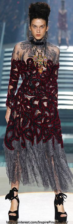 Spring 2014 Ready-to-Wear Vivienne Westwood  | The House of Beccaria