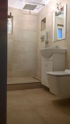Wardrobe Room, Bathroom Design Small, Bathtub, Interior Design, Houses, Standing Bath, Nest Design, Bathtubs, Home Interior Design