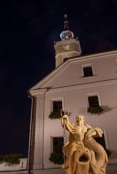 Rynek, fontanna z Neptunem #gliwice #gliwiceozmierzchu fot. M. Buksa