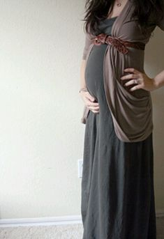 This girls blog has great ideas for dressing your bump