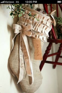 Burlap comes in wide range of verity in colors. We have collected a list of 30 Burlap Christmas Decorations Ideas that you can make for this Christmas. Noel Christmas, Merry Little Christmas, Country Christmas, Christmas Projects, White Christmas, Holiday Crafts, Holiday Fun, Elegant Christmas, Christmas Ideas