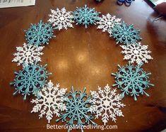 Snowflake Wreath - I need a January wreath...