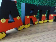 Letras de papel 180 gramas, com 12 cm de altura valor por letra/ número Personalize seu tema! Mickey Mouse Theme Party, Minnie Mouse Party Decorations, Mickey Mouse Cookies, Minnie Y Mickey Mouse, Fiesta Mickey Mouse, Baby Mickey, Mickey Mouse And Friends, Mickey Mouse Birthday, Mouse Parties