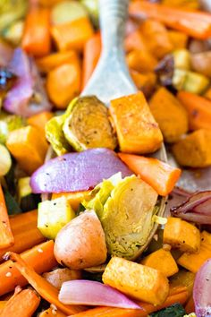 Healthy Side Dishes, Side Dishes Easy, Vegetable Side Dishes, Side Dish Recipes, Dishes Recipes, Baked Red Potatoes, Carrots And Potatoes, Roasted Sweet Potatoes, Roasted Vegetable Recipes