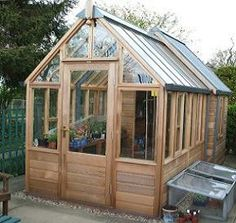 The Hyde Hall Combi greenhouse