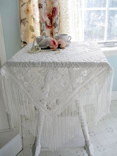 Fringed Table Cloth Table Topper Filet Lace by mailordervintage