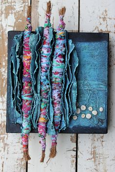 cool could use old jeans… Beautiful Mixed Media painting with recycled fabrics, beads and seashells CONTINUE READING Shared by: karinacabrerat Fabric Beads, Fabric Art, Fabric Crafts, Collage 3d, Creative Textiles, Textile Fiber Art, Assemblage Art, Recycled Fabric, Fabric Manipulation
