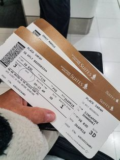 """We used a luxury travel hack to fly Singapore Airlines Suite Class - the most luxurious First Class that any airline has to offer, including staying at """"The Private Room"""" in Changi Airport First Class Airline, First Class Flights, Airport Tickets, Airline Tickets, Ticket Template Free, Dubai Airport, New York Night, Vacations To Go, Last Minute Travel"""