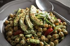 Revythosalata me avocado Apple Bread, Salad Bar, Appetisers, Healthy Habits, Green Beans, Vegetarian Recipes, Salads, Avocado, Good Food