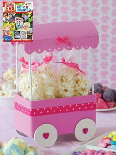 Hot Air Balloon Baby Shower Centerpiece - Ivory and Pink L Diy And Crafts, Crafts For Kids, Paper Crafts, Baby Shawer, Candy Bouquet, Ice Cream Party, Ideas Para Fiestas, Candy Party, Candyland