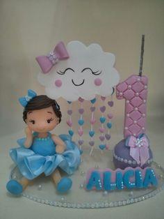 Topo de.bolo Menina com nuvem cheias de coração, uma chuva de bençãos!!!