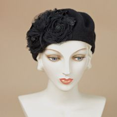 8320SBF Small Beret, black – Louise Green Millinery