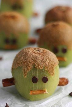 Frankenstein Kiwis Recipe – (Another!) Healthy Halloween Treat. Make sure to use #glutenfree pretzels, such as Glutino