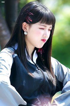Gfriend-Yerin 180721 Ice Truck Event Kpop Girl Groups, Korean Girl Groups, Kpop Girls, Extended Play, Kim Ye Won, Cloud Dancer, G Friend, Meme Faces, Korean Singer