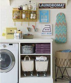Love this laundry room setup!