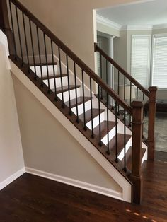43 Ideas For Stairs Design Diy Staircase Makeover Interior Stair Railing, Wrought Iron Stair Railing, Stair Railing Design, Stair Decor, Staircase Railings, Modern Staircase, Banisters, Stairway Railing Ideas, Rod Iron Railing