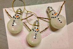 weihnachten basteltipps glühbirnen schneemann