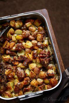 Agneau_pommes_de_terre_four. Lamb Recipes, Lunch Recipes, Healthy Dinner Recipes, Cooking Recipes, Lamb Dishes, Italian Recipes, Food Inspiration, Love Food, Food And Drink