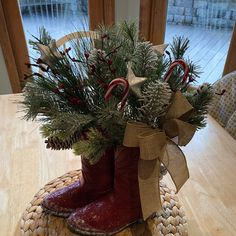 Buyer photo deannacb02, who reviewed this item with the Etsy app for iPhone. Shabby Cottage, Cottage Homes, Christmas Arrangements, Etsy App, Modern Farmhouse, Christmas Wreaths, Rustic Cottage, Christmas Swags, Holiday Burlap Wreath