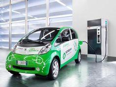 2011, Peugeot iOn: 100% elettrica ma nata dalla partnership tra la casa francese e l'italiana Sorgenia