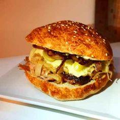 szafifiree, hamburger, káposzta, tarja Hamburger, Chicken, Ethnic Recipes, Food, Essen, Burgers, Meals, Yemek, Eten