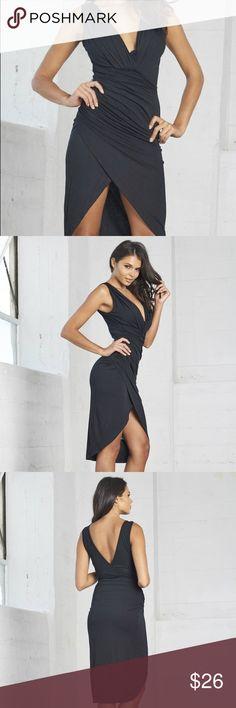 Black dress with deep slides Black dress with deep slides palaceofchic Dresses Midi
