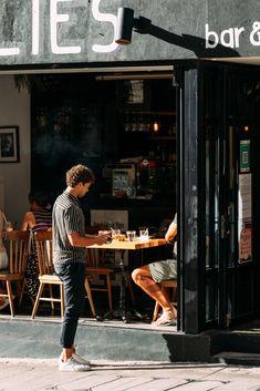 Waiter Uniform, Photograph, Street, Cafes, Photography, Photographs, Walkway, Fotografia, Fotografie