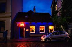 Blaues Barhaus