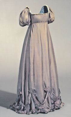 Maternity gown, circa 1800, worn by Duchess Louise of Mecklenburg-Strelitz, wife of Frederick William III, King of Prussia, during one of her many pregnancies.