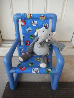 the CrAfting LaB: PVC Kids Chair - full instructions and parts list.