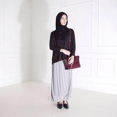 INAYAH | Black Crepe Top + Black Maxi Jersey Hijab + Grey Knot Skirt www.inayahcollection.com
