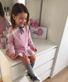 Pin by Katty Corozo on ropa Little Girl Outfits, Little Girl Fashion, Toddler Girl Outfits, Toddler Girls, Cute Kids Fashion, Toddler Fashion, Fashion Children, Outfits Niños, Fall Outfits