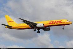 Boeing 757-236(SF) D-ALEF 22189 Lisbon Aeroporto da Portela de Sacavem - LPPT
