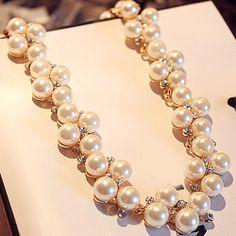 Elegant Pearl Short Necklace for Engagement