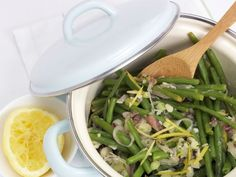 Bohnengemüse mit Sardellen ist ein Rezept mit frischen Zutaten aus der Kategorie Hülsenfrüchte. Probieren Sie dieses und weitere Rezepte von EAT SMARTER!