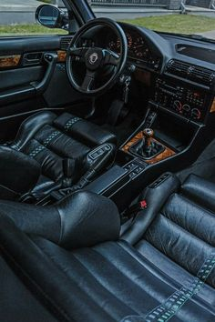 Alpina E32 interior