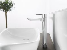 When it comes to bathroom and kitchen fittings, quality really does matter! 🇩🇪 HANSA has been voted No. 1 by German plumbers for more than 40 years. Originating from Stuttgart; Germany's design, engineering, and innovation hub, and the home to many trusted and quality brands such as Mercedes-Benz and Porsche.  Exemplified through one of the greatest product ranges to come out of Europe, HansaLigna; Discover beauty... Stuttgart Germany, 40 Years, Ranges, Mercedes Benz, Porsche, Innovation, Engineering, Things To Come, Europe