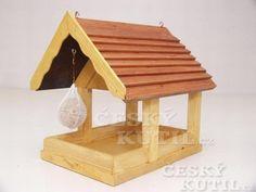 Krmítko pro ptáčky Bird Houses, Stool, Chata, Furniture, Home Decor, Women's Fashion, Homemade Bird Feeders, Home Made, Woodwind Instrument