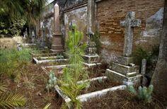 Cementerio inglés de Huelva, donde descansan algunos de los británicos que explotaron Minas de Riotinto, y que trajeron a España por primera vez el golf o fundaron el primer club de fútbol nacional, el Recreativo de Huelva, en el siglo XIX. EFE