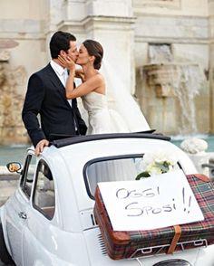 Maria und Jordanien mieteten ein Fiat für ihre Rome Hochzeit.