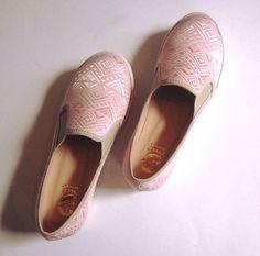 Pink SHOES ☺️😊 #PrettyDhans #SlipOn #Panchas #Peru #Calzado #Zapatos #shoes #IloveShoes #iloveflats #summer #summergirl  #sea #beach #spring #sotd #sneakers #loafer #ballerinas #balerine #sandals #surf #plataformas #chaussures #moda #cool #HandMade #PeruvianSHOES