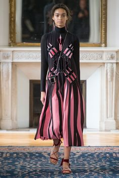 Bravo! Bravo! Pierpaolo Piccioli makes his official debut solo collection as Creative Director for Valentino | Spring 2017 Ready-to-Wear Fashion Show #pfw